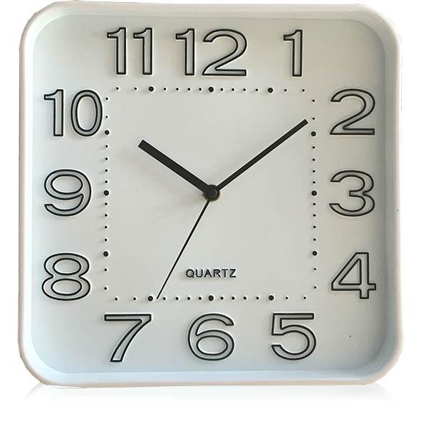 שעון קיר מרובע