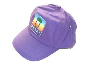 כובע מצחייה עם הדפס צבעוני