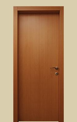 דלת פנים - דלת פורניר בגוון בוק
