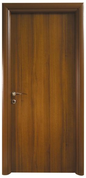 דלת פנים - דלת למינטו בגוון אגוז