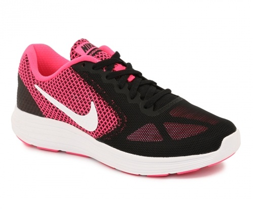 נעלי נייק ספורט נשים NIKE REVOLUTION 3