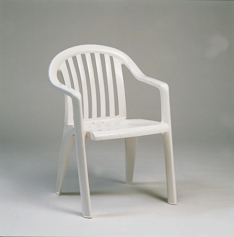 כסא פלסטיק דגם BRAGA לבן - מבצע ל4 יח'