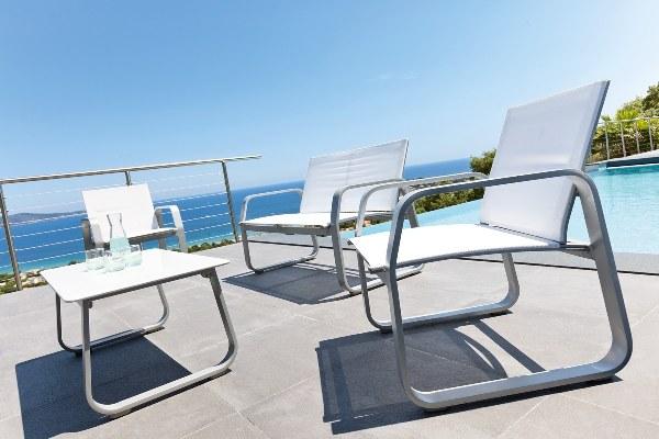 ריהוט גן ומרפסת מאלומיניום דגם WHITE. חום בהיר