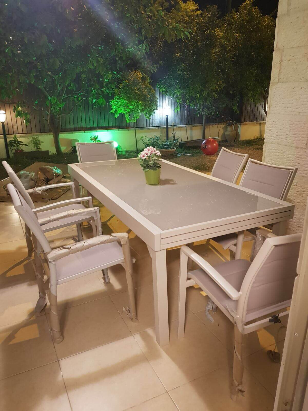 שולחן נפתח לגינה 100x200/320 צבע בז' + 6 כסאות מרופדים
