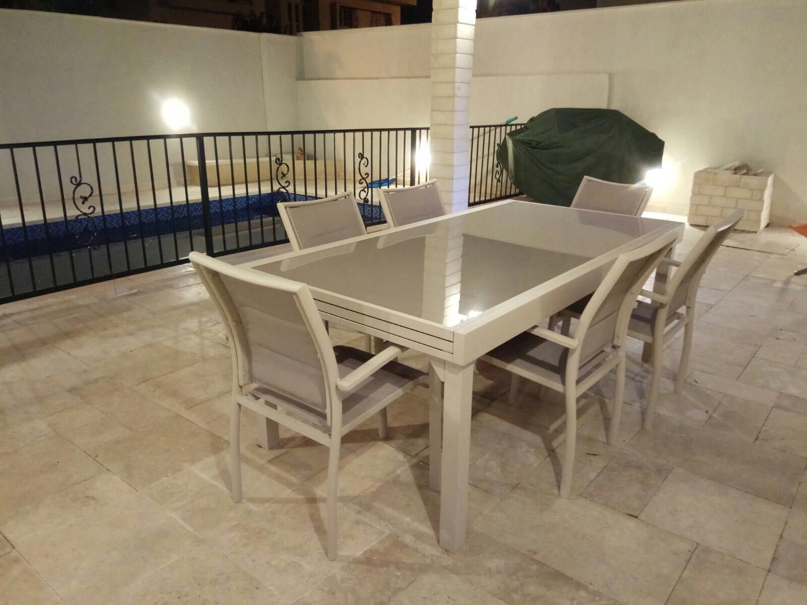 שולחן אלומיניום נפתח לגינה 100x200/320 צבע בז' + 6 כסאות מרופדים