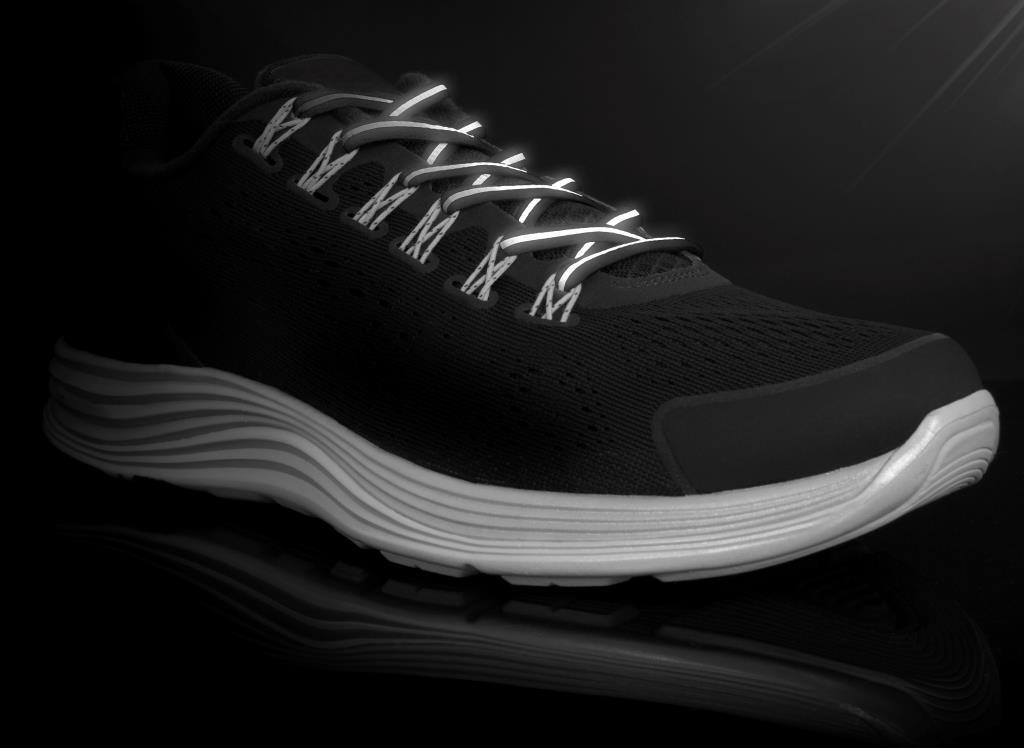 Runnies Reflective Black- זוג שרוכים לריצה שחור עם פס זוהר