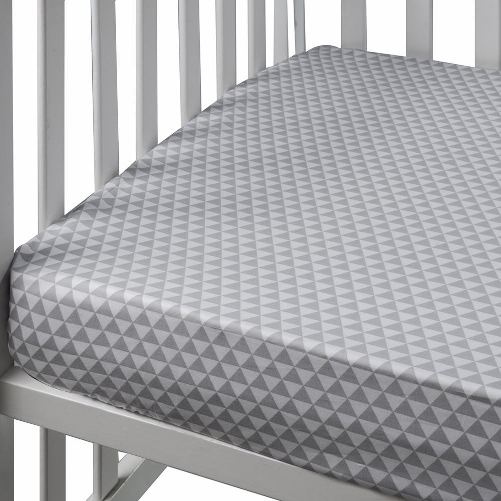 אפור משולשים - סדין למיטת נוער