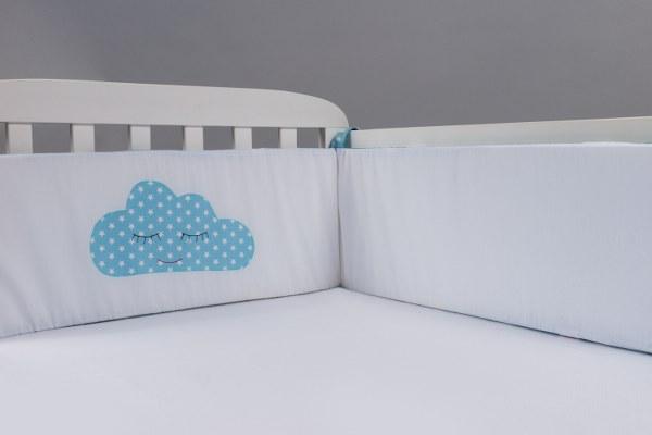 ענן תכלת - מגן ראש למיטת תינוק