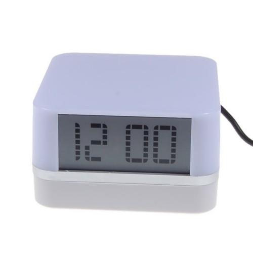 מפצל USB משולב עם שעון