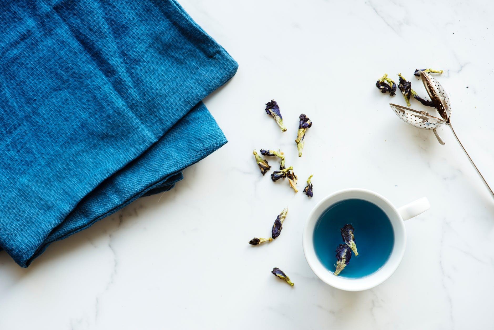 צלחות כחולות וקטנות - תורם לדיאטה מהירה