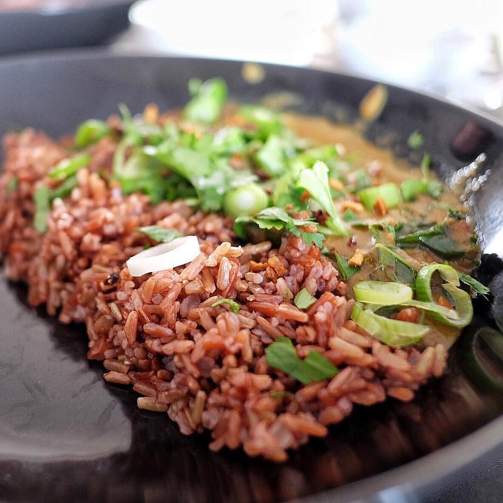 אורז אדום העוזר לדיאטה מהירה