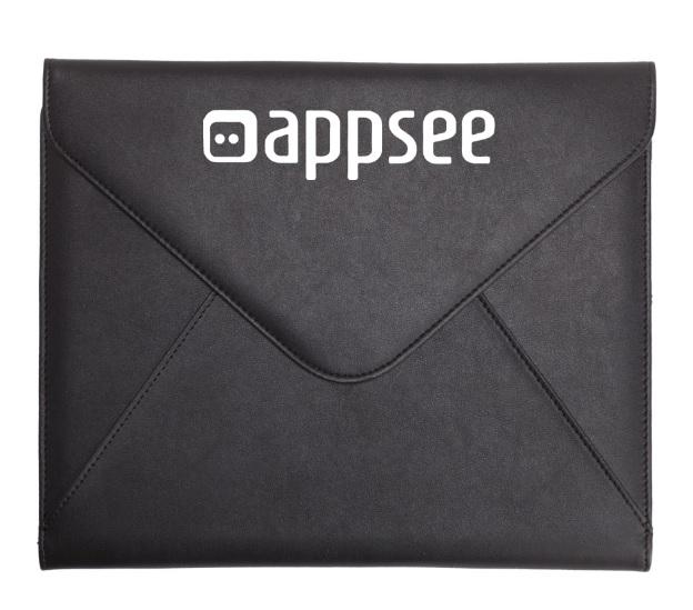 מכתביה בצורת מעטפה