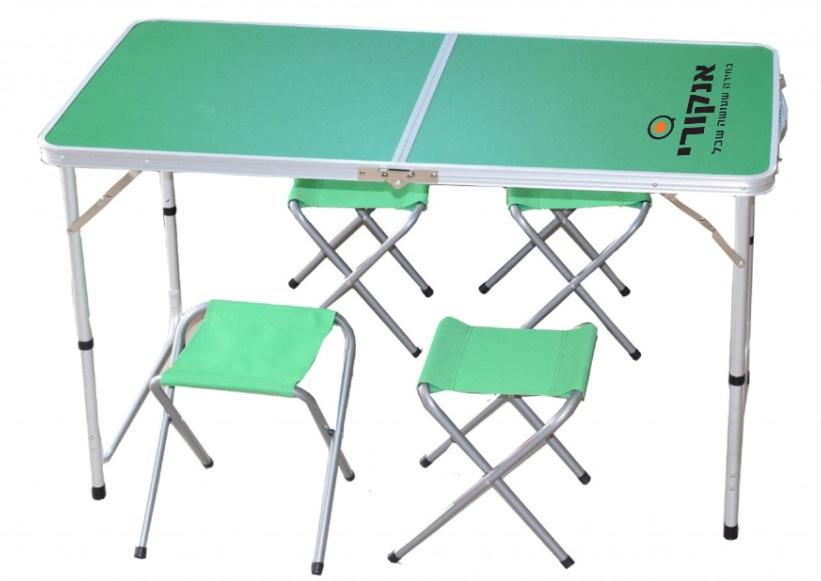 שולחן עם 4 כסאות מתקפל