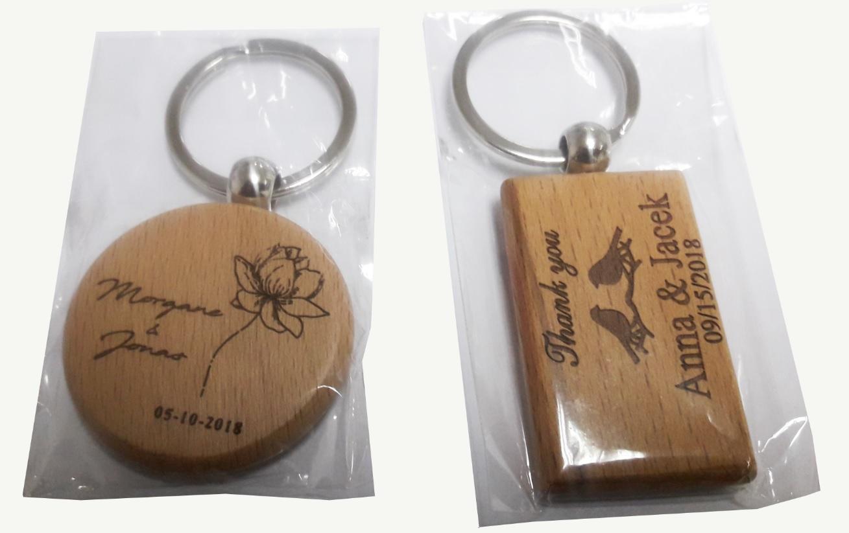 מחזיקי מפתחות מעץ