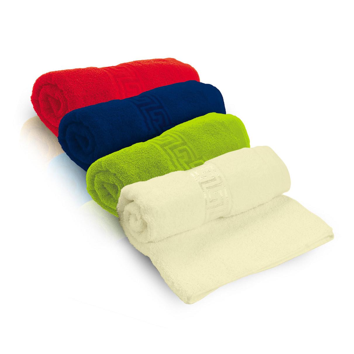 מגבת אדומה עם רקמה