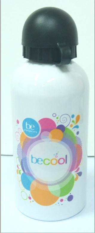 בקבוקי מתכת עם הדפס צבעוני
