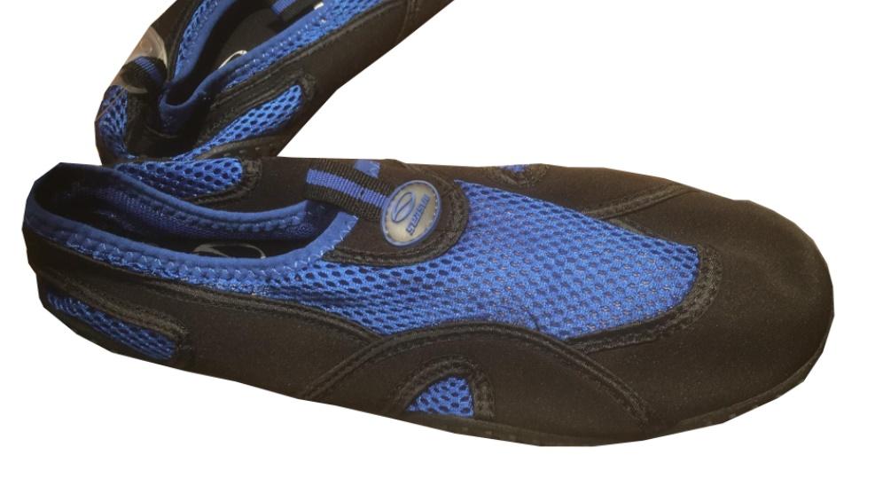 נעלי הליכה במים