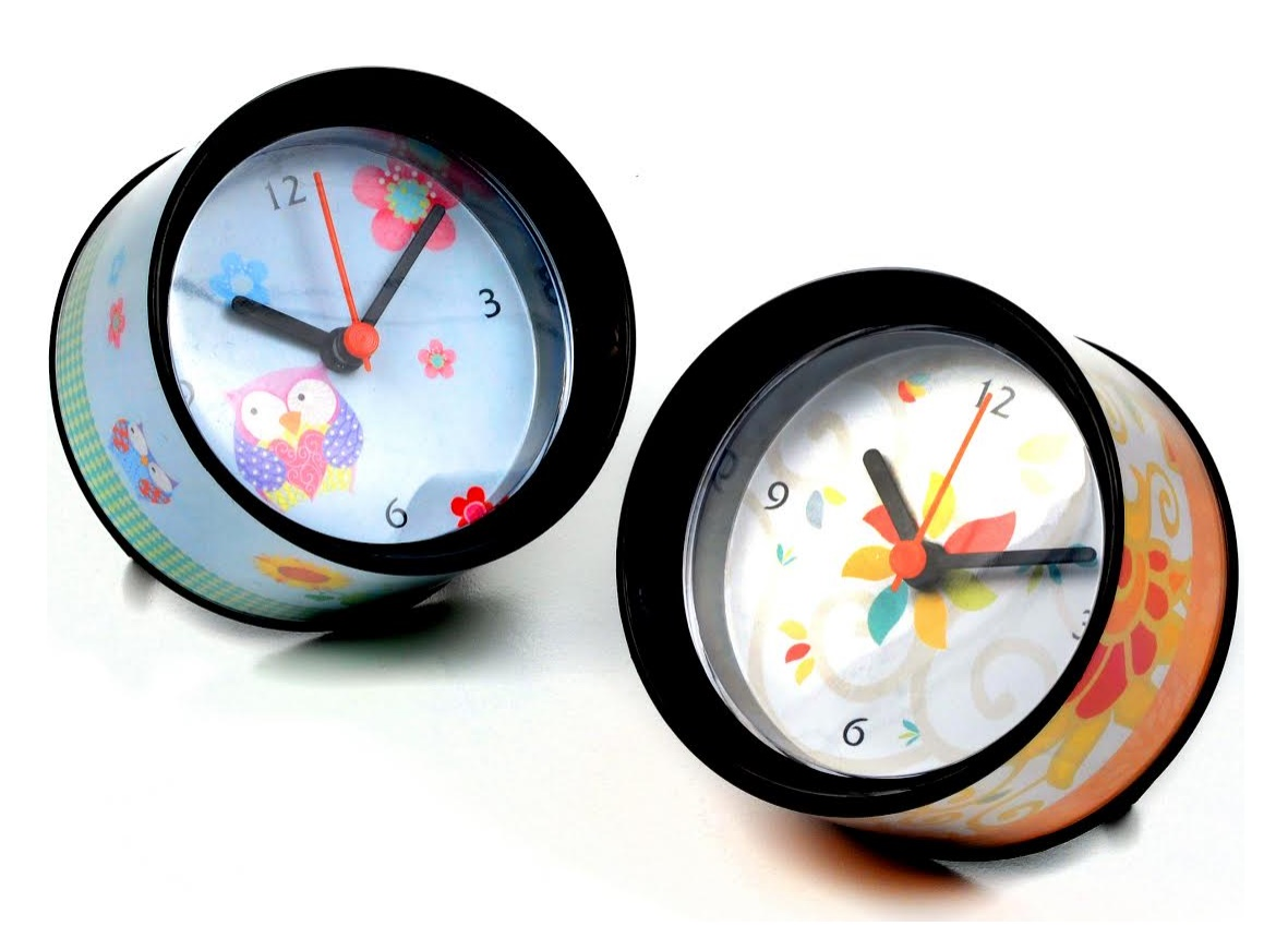 שעון ממותג שולחני
