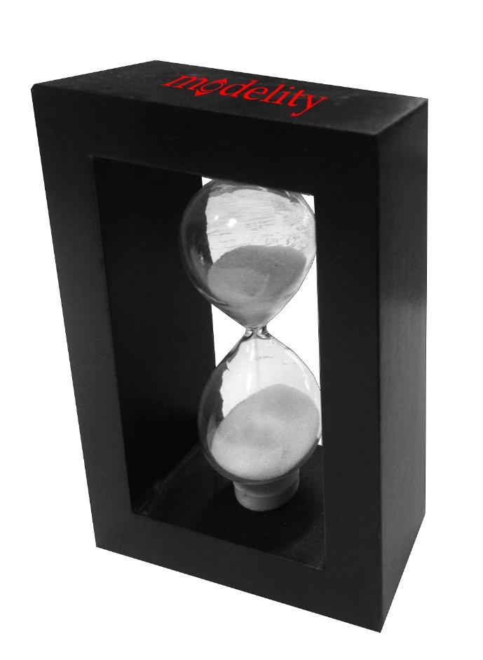 שעון חול ממותג