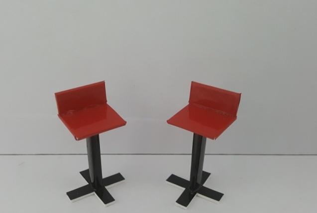 כסא בר דגם ירון קנ''מ 1:25