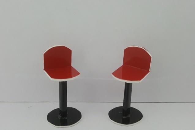 כסא בר דגם לורן קנ''מ 1:25