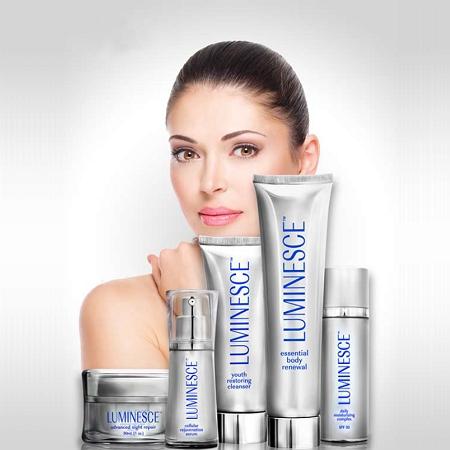 ערכת ™LUMINESCE בסיסית (4 תכשירים לחידוש עור הפנים)