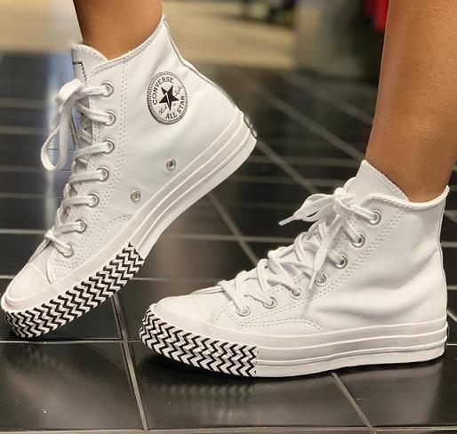 נעלי אולסטאר עור נשים Converse Mission-V
