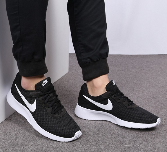 נעלי נייק ספורט גברים Nike Tanjun