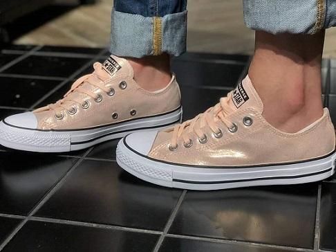 נעלי אולסטאר ורוד מטאלי נשים Converse Coral washed