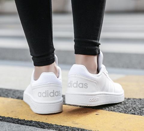 נעלי אדידס אופנה נשים Adidas Hoops - תמונה 3