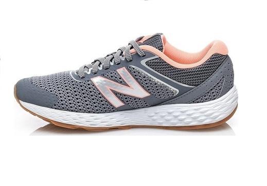 נעלי ניובלנס ספורט נשים New Balance 520v3
