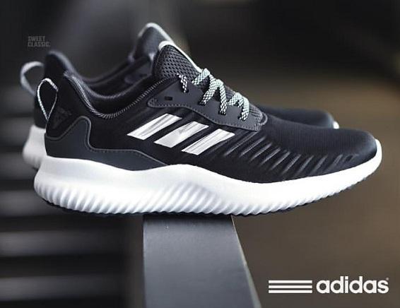 נעלי אדידס ספורט גברים Adidas AlphaBounce
