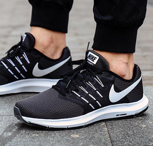 נעלי נייק ספורט גברים Nike Run Swift