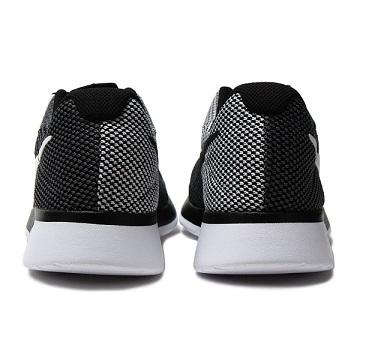 נעלי נייק ספורט גברים Nike Tanjun Racer - תמונה 3