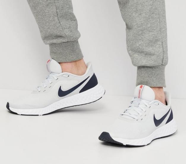 נעלי נייק ספורט ריצה גברים Nike Revolution 5