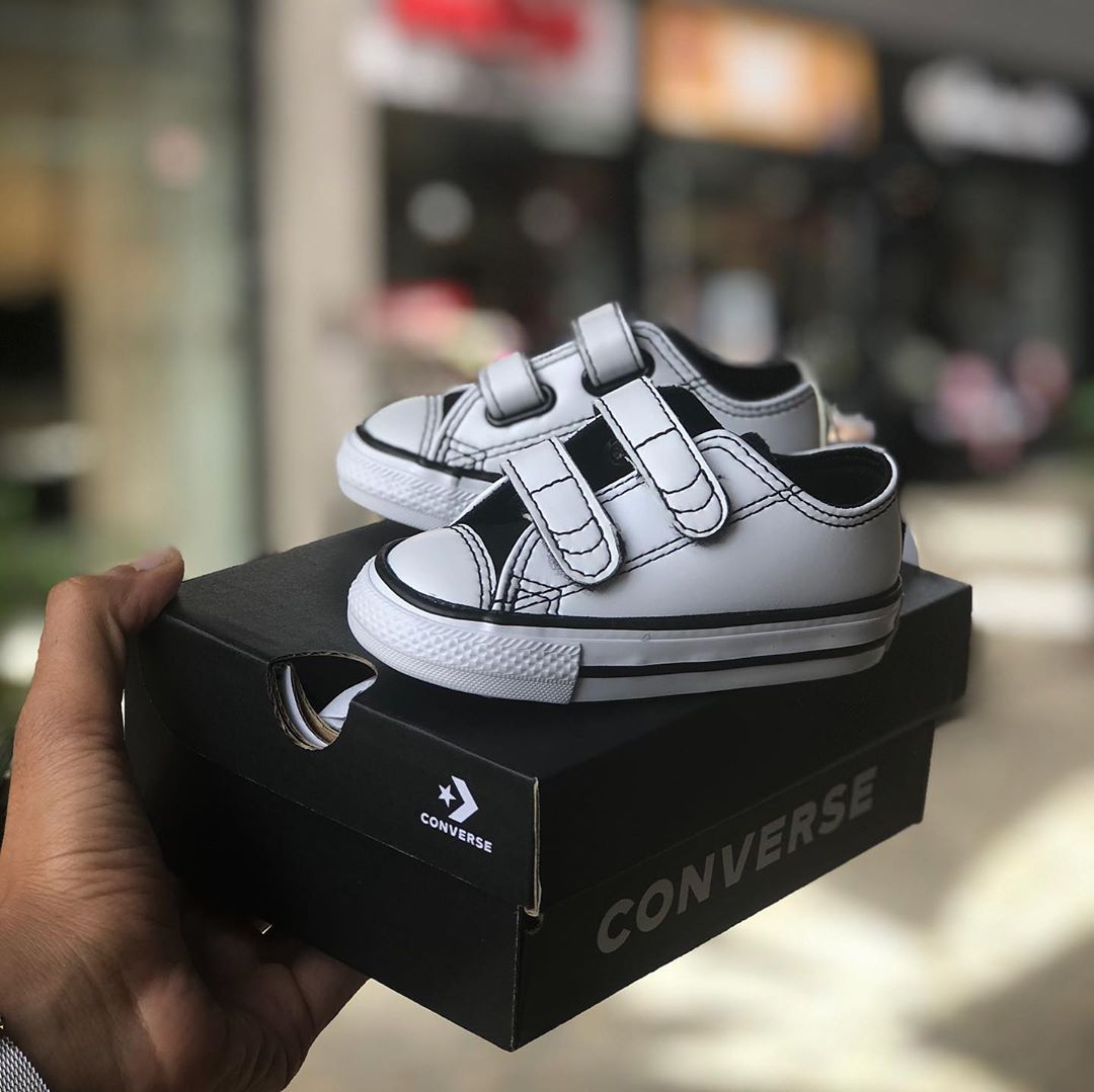 נעלי אולסטאר תינוקות Converse White Black