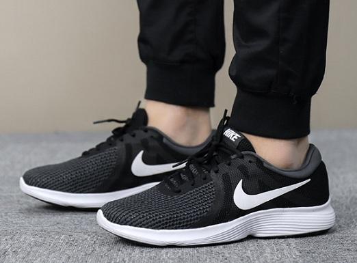 נעלי נייק ספורט גברים Nike Revolution 4 - תמונה 1