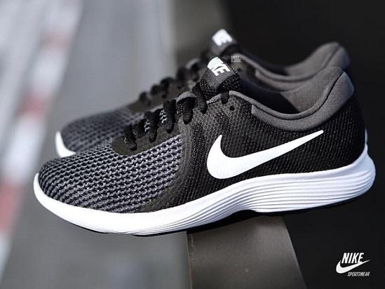 נעלי נייק ספורט גברים Nike Revolution 4 - תמונה 2