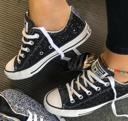 נעלי אולסטאר שחור מנצנץ נשים Converse Galaxy Dust