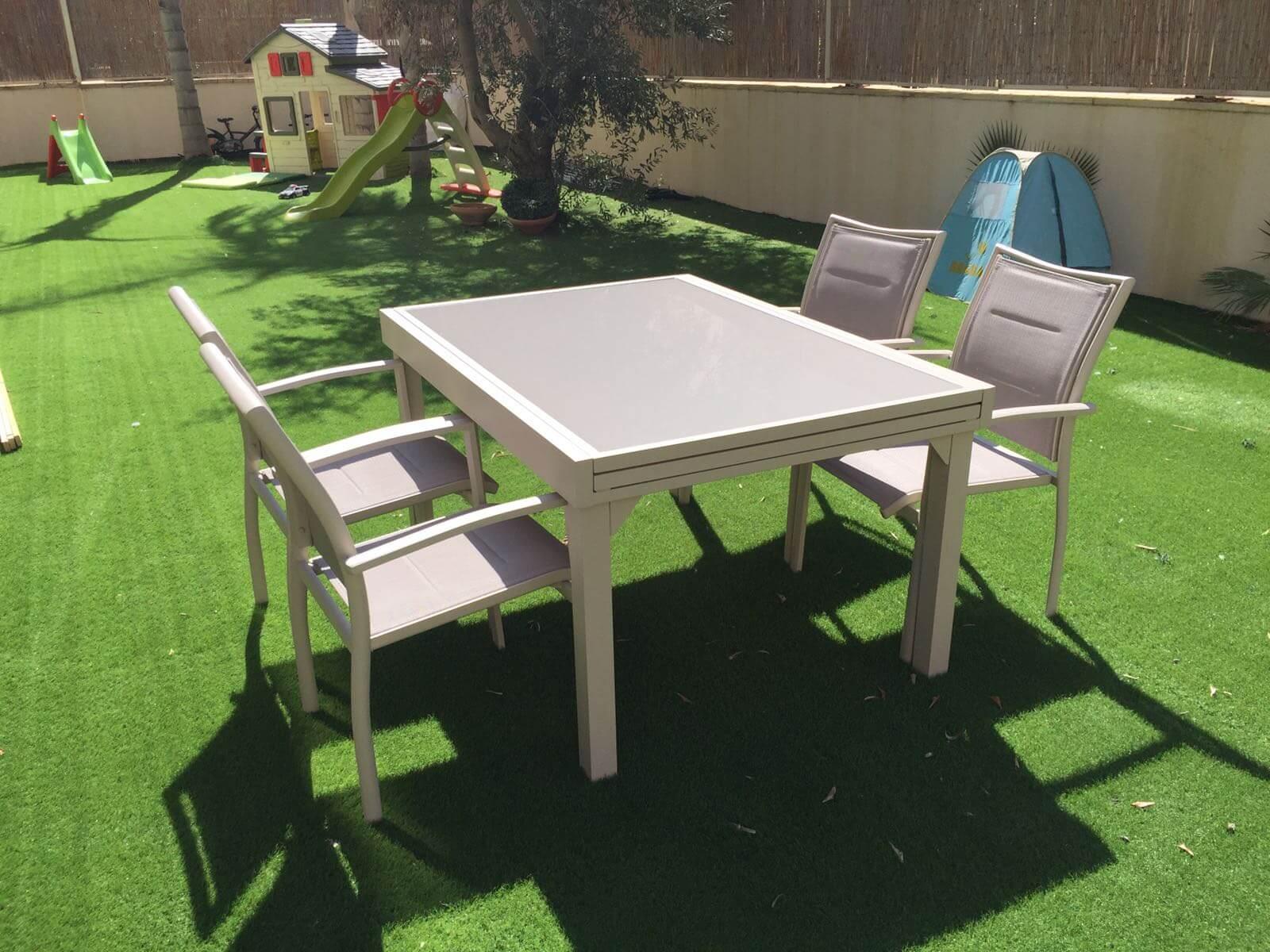 שולחן אלומיניום נפתח 100x135/270 צבע בז' + 4 כסאות מרופדים