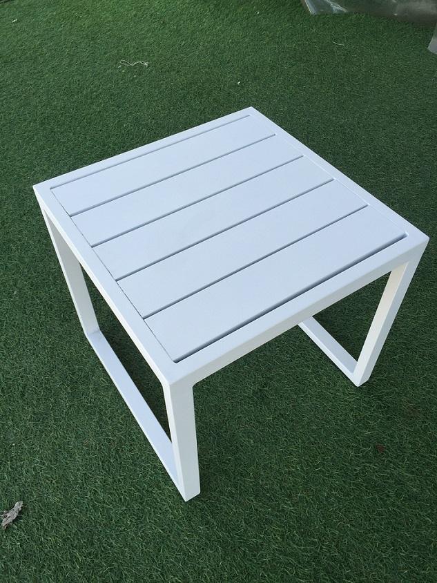 שולחן נמוך 100% אלומיניום צבע לבן