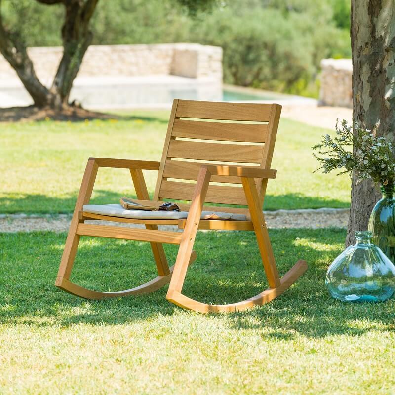 כסא עץ מתנדנד מבית HESPERIDE