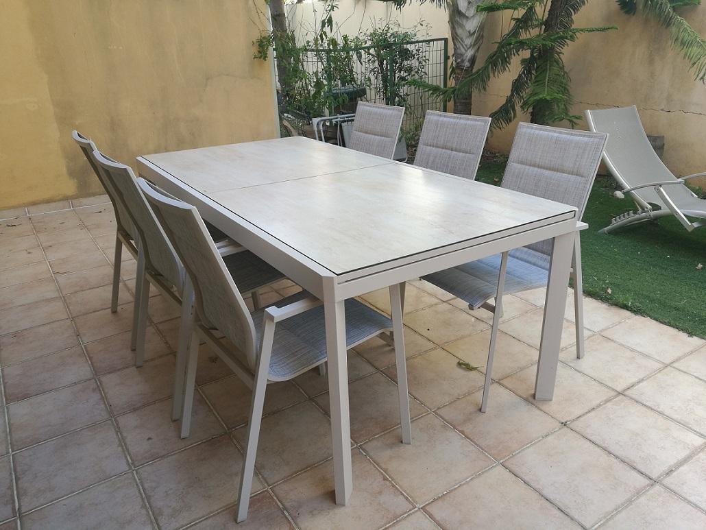 שולחן אלומיניום זכוכית נפתח 100X200/300 דמוי קרמיקה כולל 6 כסאות