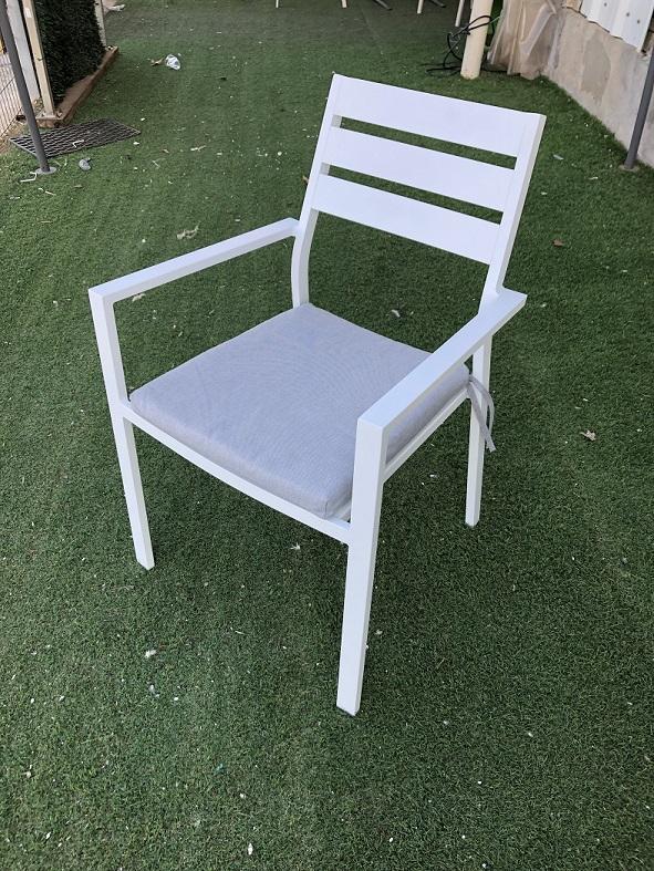 כסא %100 אלומיניום ידית ישרה