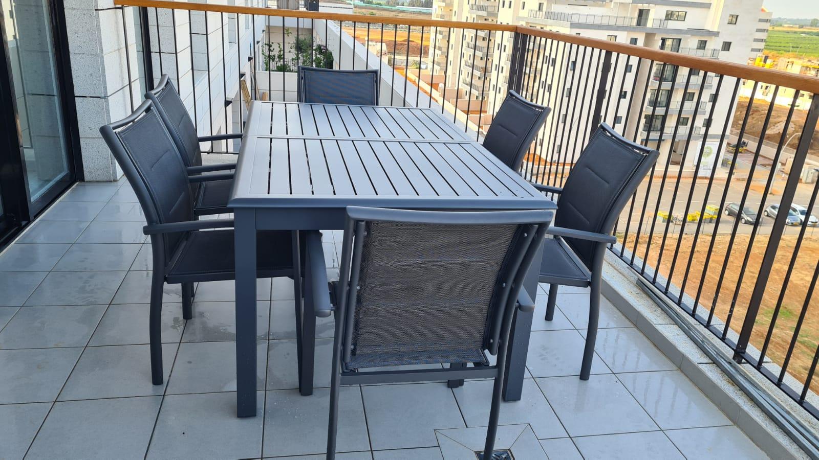 שולחן אלומיניום דגם AZUA