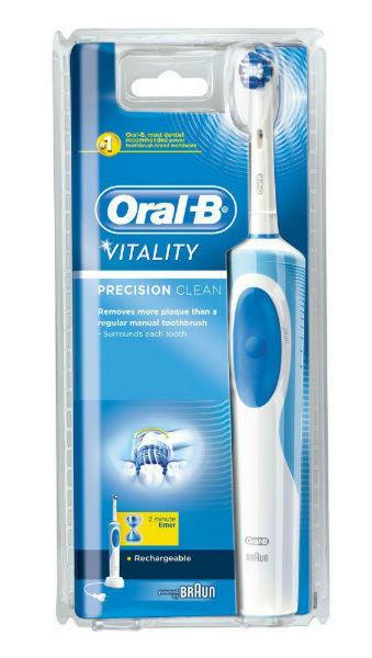 מברשת שיניים חשמלית VITALITY D12 Oral-B