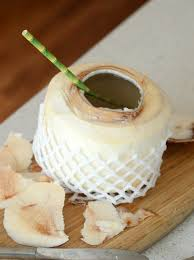 אורגני מלא-שישה ארגזים המכילים 54 אגוזי קוקוס תאילנדי צעיר כולל משלוח עד הבית