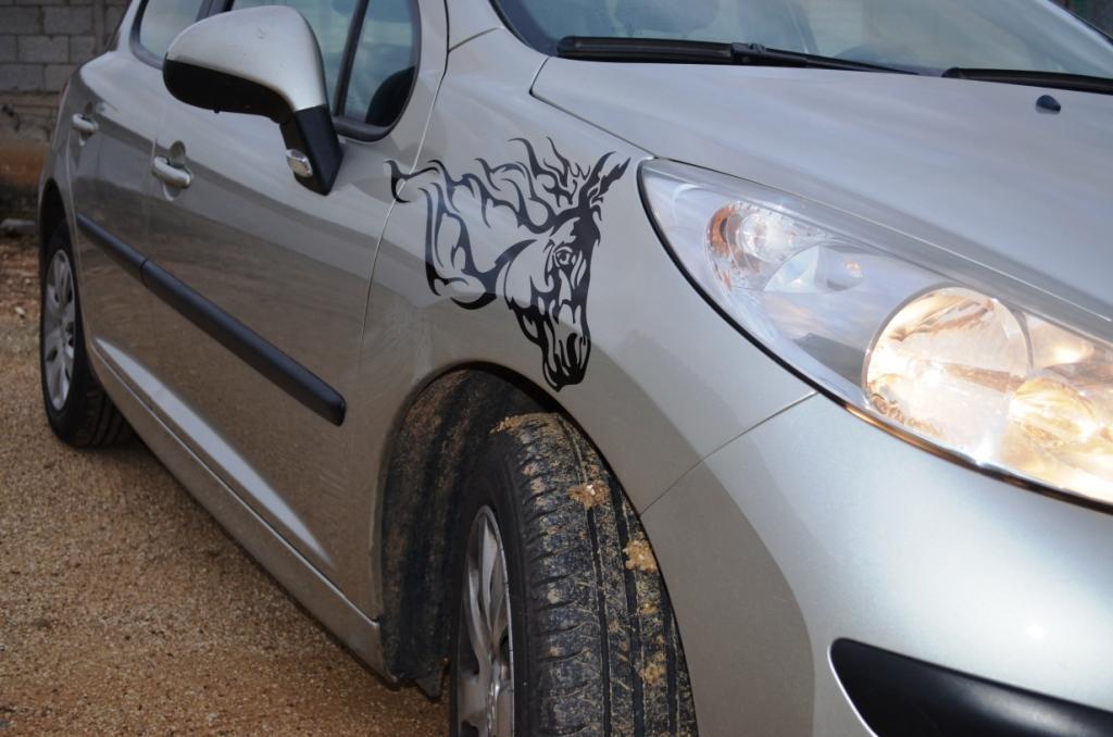 H מדבקת ראש סוס לכנף / דלת צד של הרכב