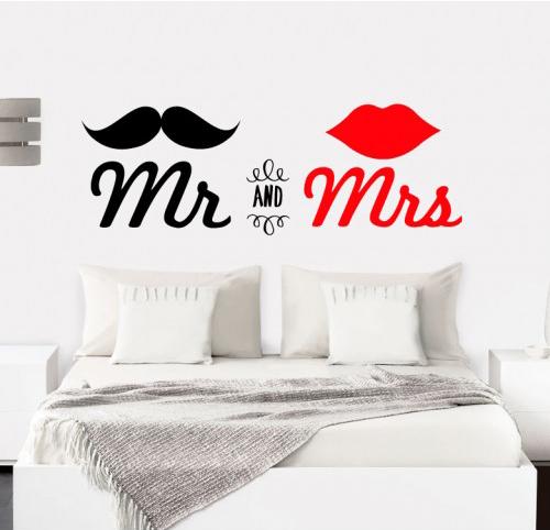 מדבקת קיר - Mr & Mrs