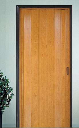 דלת הרמוניקה בצבע עץ